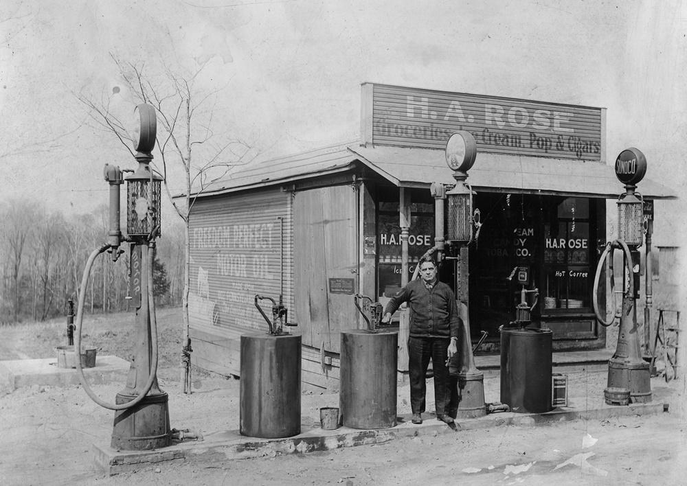 Arch Rose Gas Station