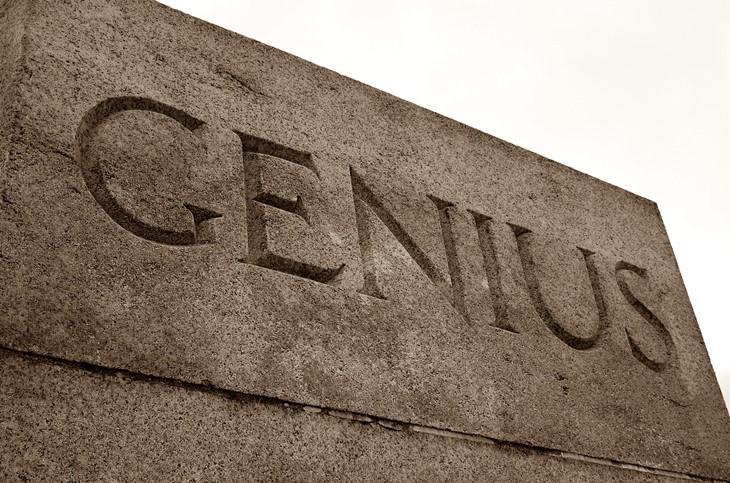 Genius carved in plinth